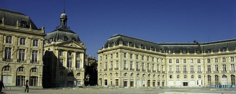 Bordeaux. Place de la bourse